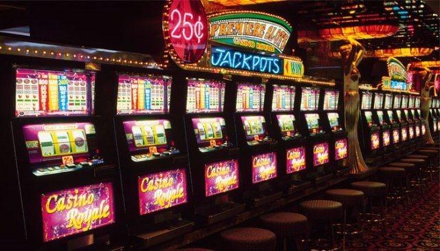 Игровые автоматы с бонусами от казино Рокс