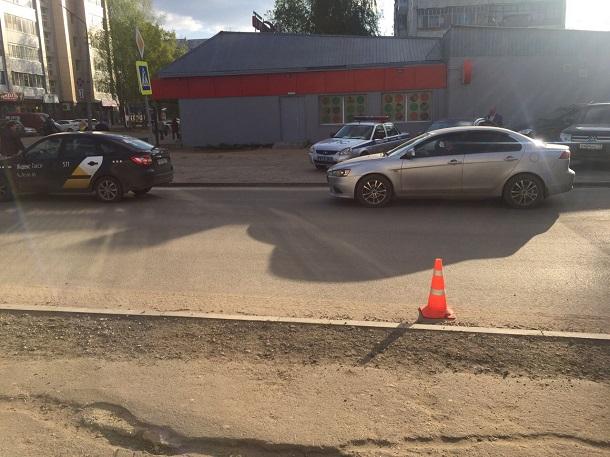 В Сыктывкаре водитель внедорожника сбил ребенка и скрылся с места ДТП